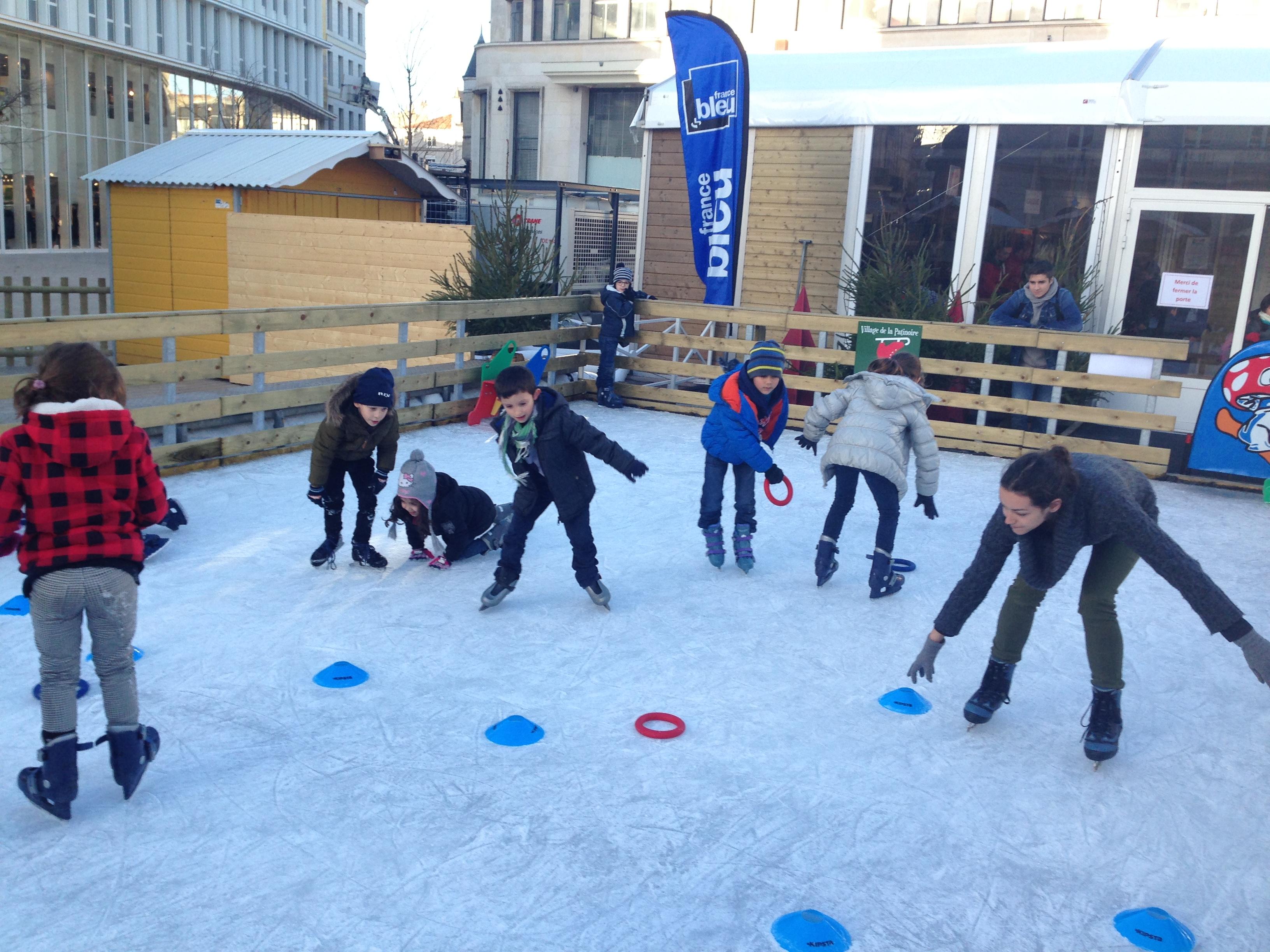 Sortie la patinoire du centre ville de poitiers les for Horaire piscine poitiers