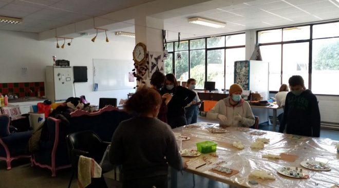Atelier créatif pour les enfants de l'Accueil de Loisirs Cornet et les jeunes l'Espace Ados du Local